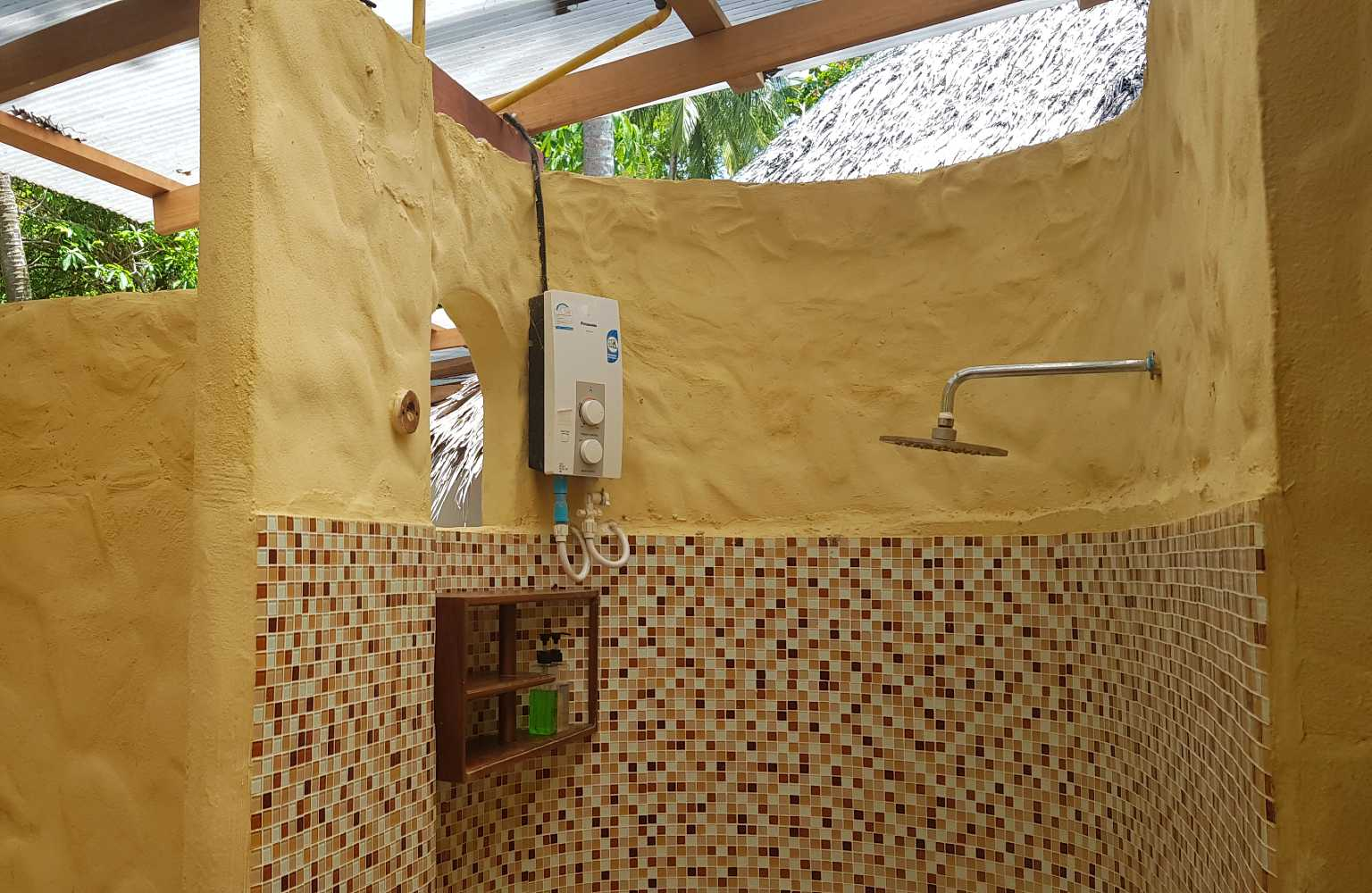 Outside shower at Thapwarin Resort in Koh Ngai