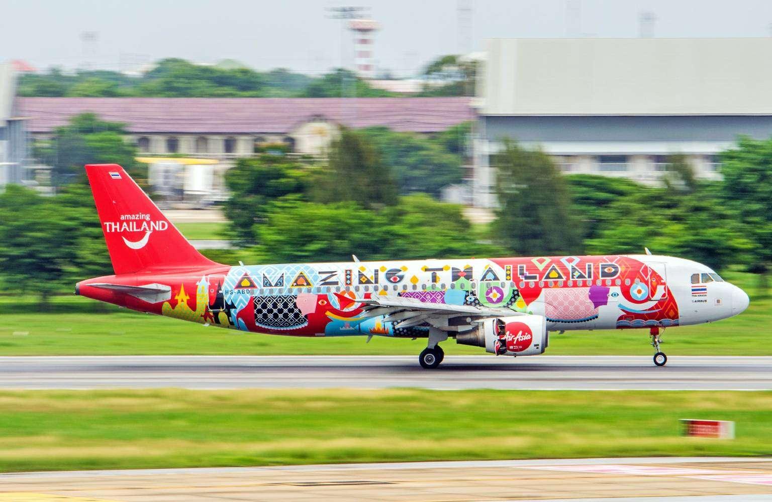 Vliegtuig naar Koh Ngai