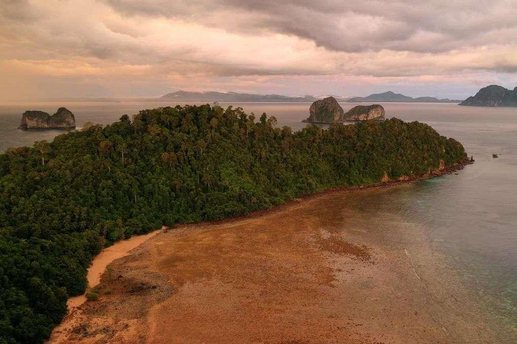 Ao Muang Beach Koh Ngai