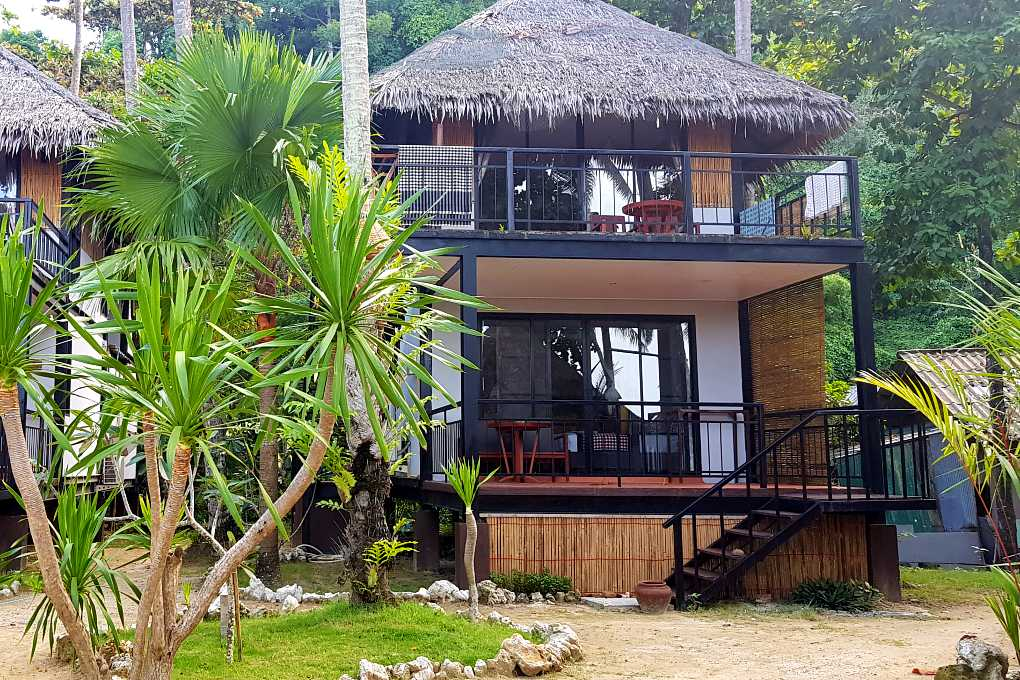 Family rooms with balcony Thapwarin Resort Koh Ngai