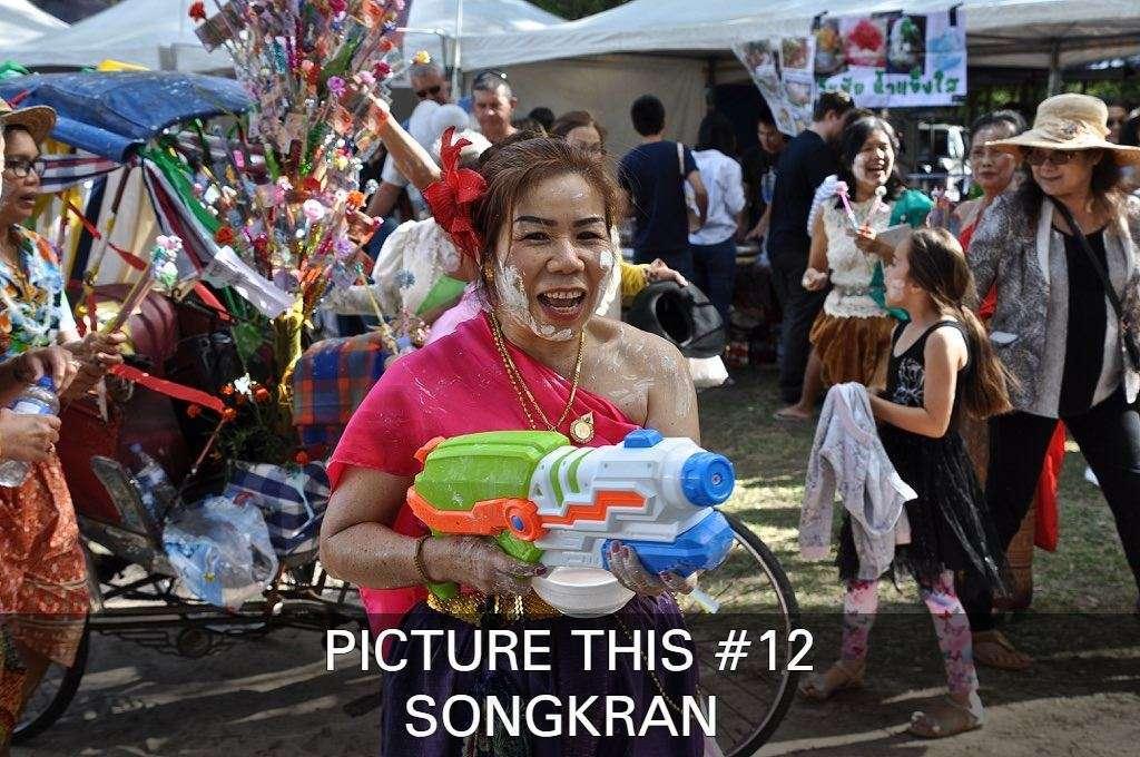Klik Hier Om Een Aantal Prachtige Foto's Van Songkran Te Zien