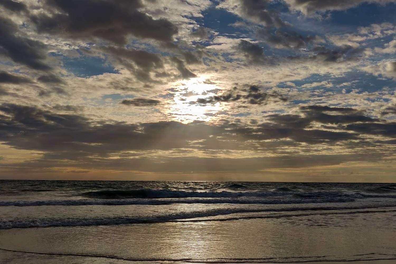 Zonsondergang op Koh Kradan vanaf Sunset Beach
