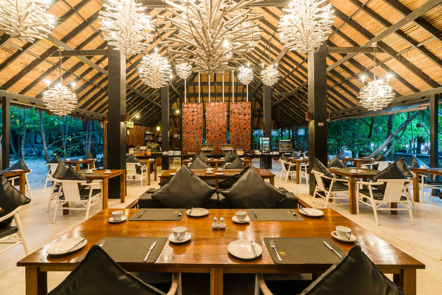 The Sevenseas Restaurant op Koh Kradan in Thailand