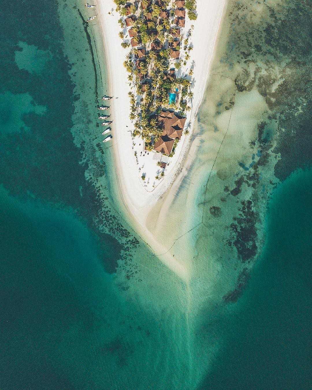 Sivalai Beach op Koh Mook met een drone gefotografeerd