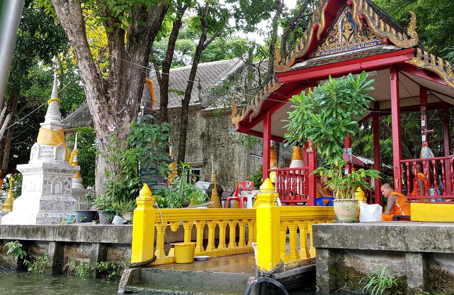 Ingang Wat Paknam Tempel in Thonburi
