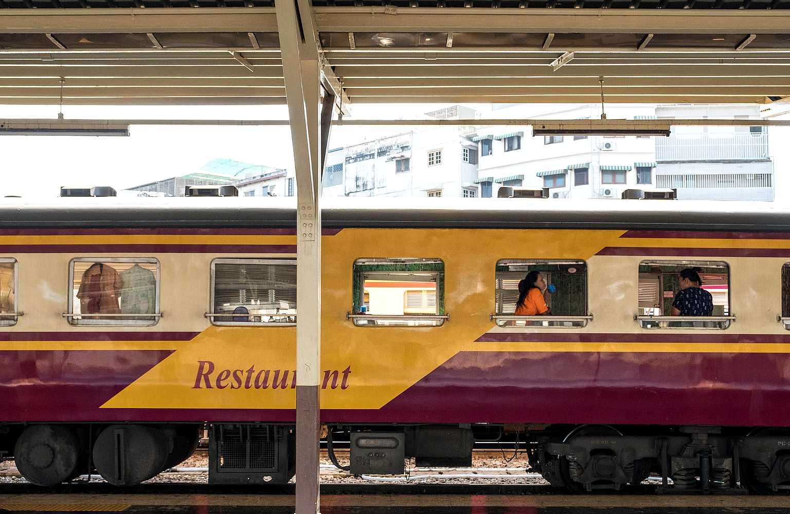 Trein op treinstation Bangkok