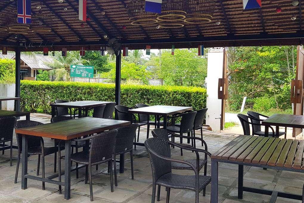 restaurant of the resort MookLamai