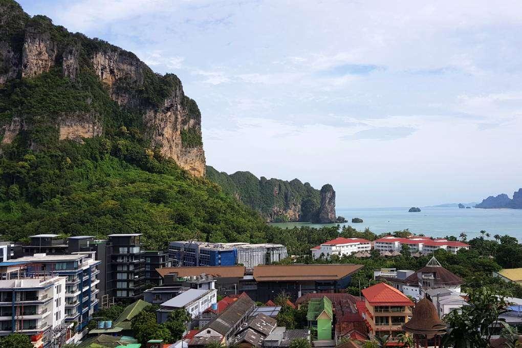 Uitzicht vanaf de Avani Superior Sea View Room in Ao Nang