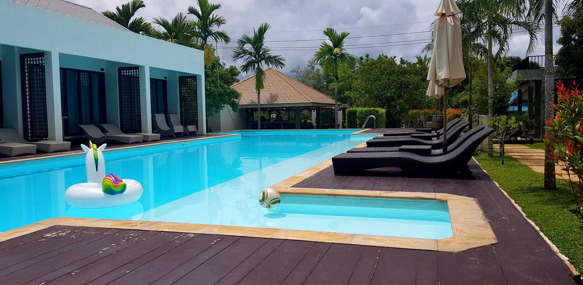 MookLamai Resort met zwembad en bungalows op Koh Mook