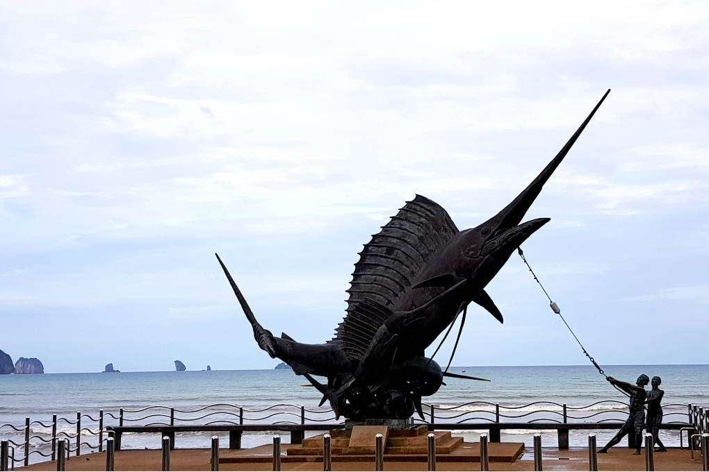 De merlin statue van Ao Nang