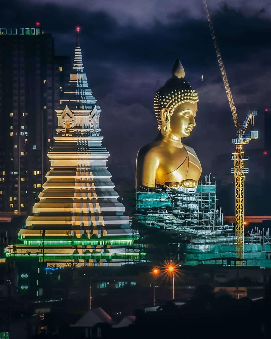 De Boeddha van de Wat Paknam in Bangkok