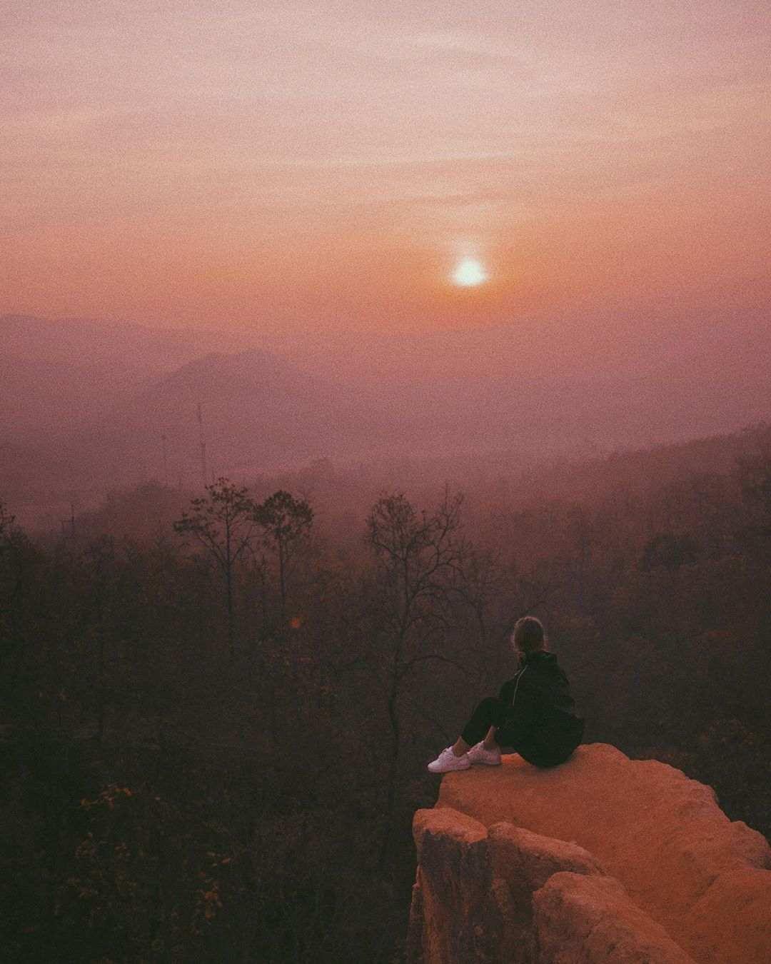 Zon zien ondergaan vanaf de Pai Canyon