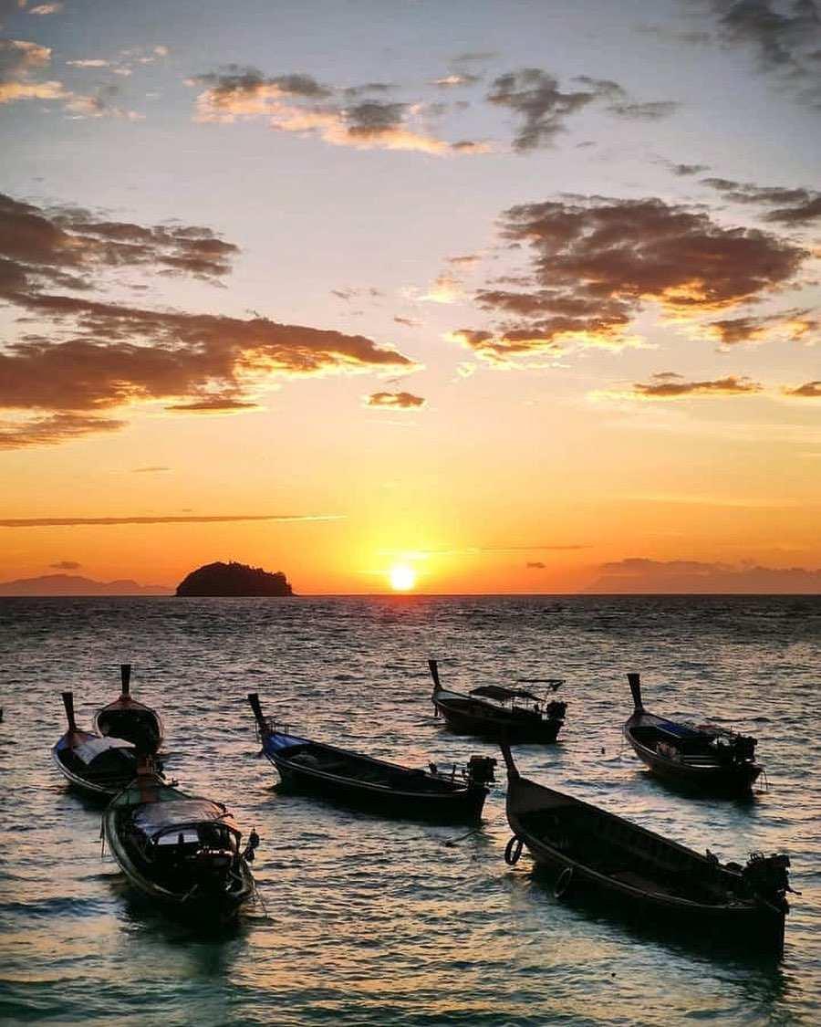 Zonsopkomst op Sunrise Beach van Koh Lipe
