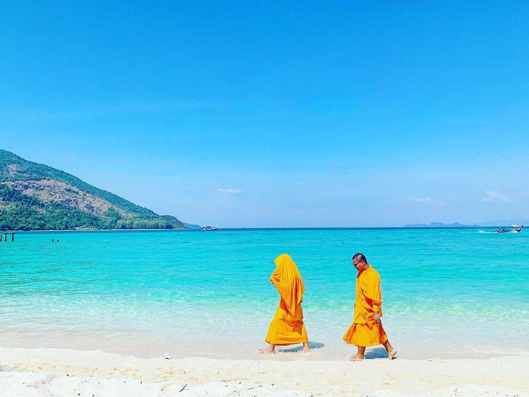 boeddhistische monniken in het Tarutao National Park