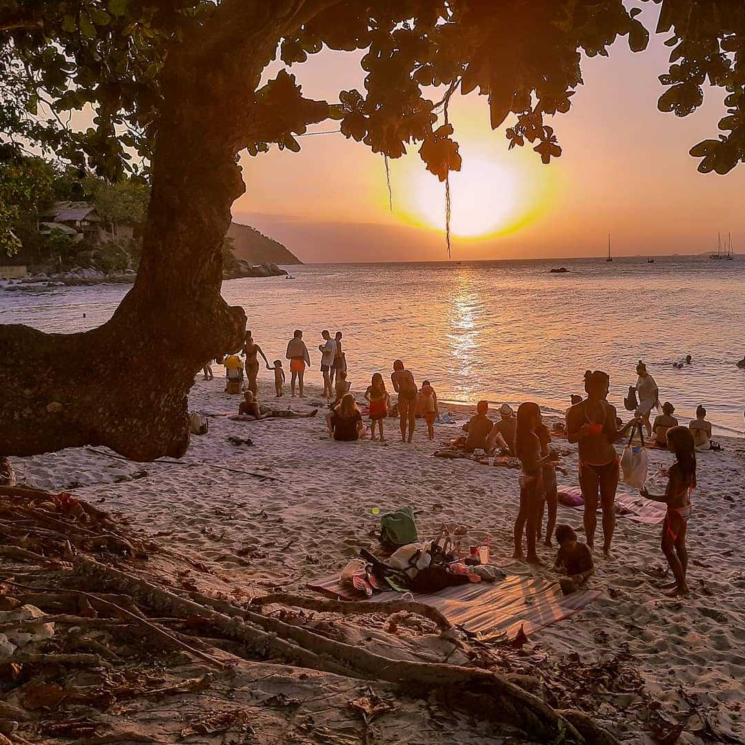 Zonsondergang vanaf Sunset Beach op Koh Lipe
