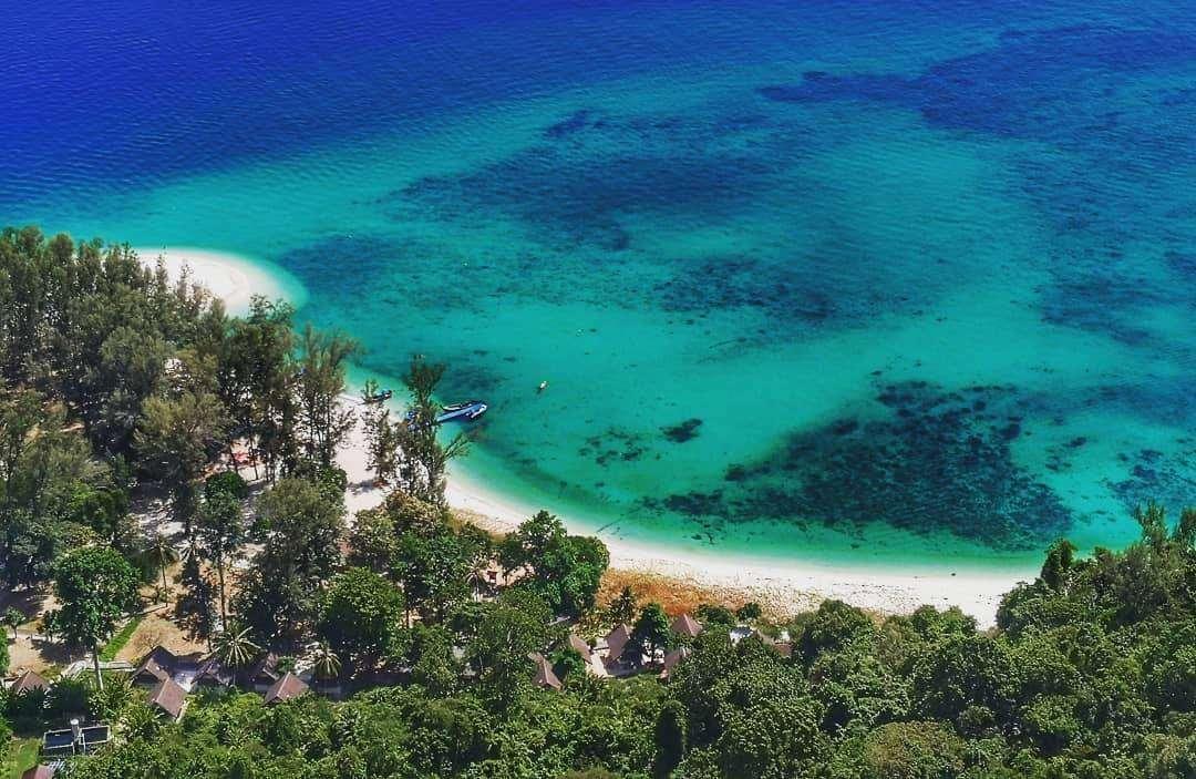 luchtfoto in het Tarutao National Park