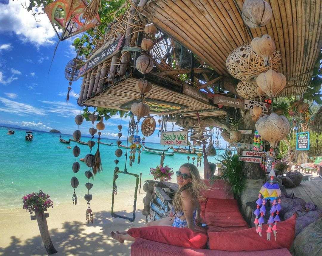 Strandversiering op Koh Lipe