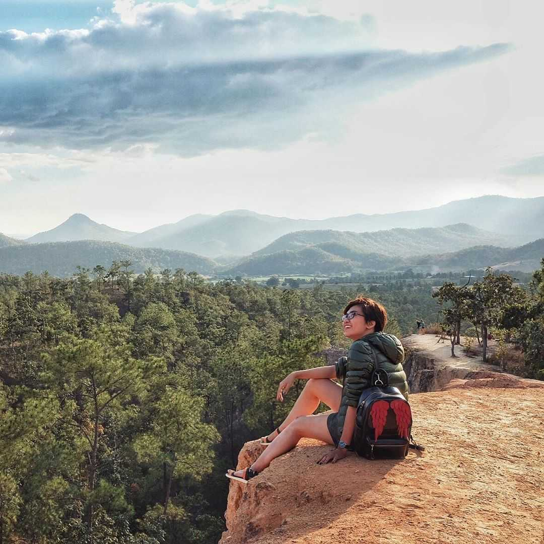 Sitting on the edge of the Pai Canyon