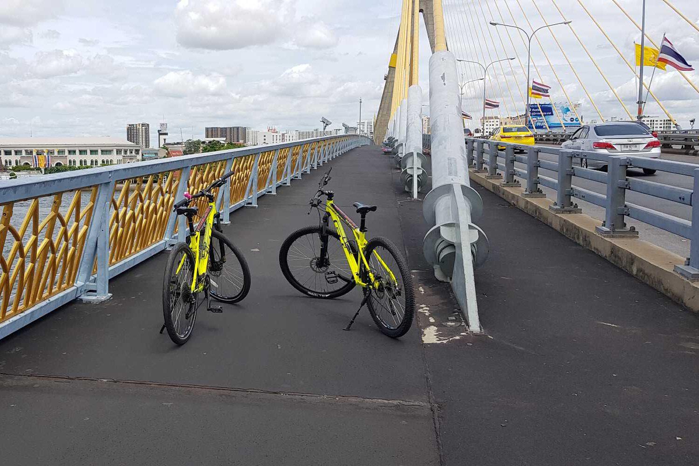 cycling on the Rama VIII bridge