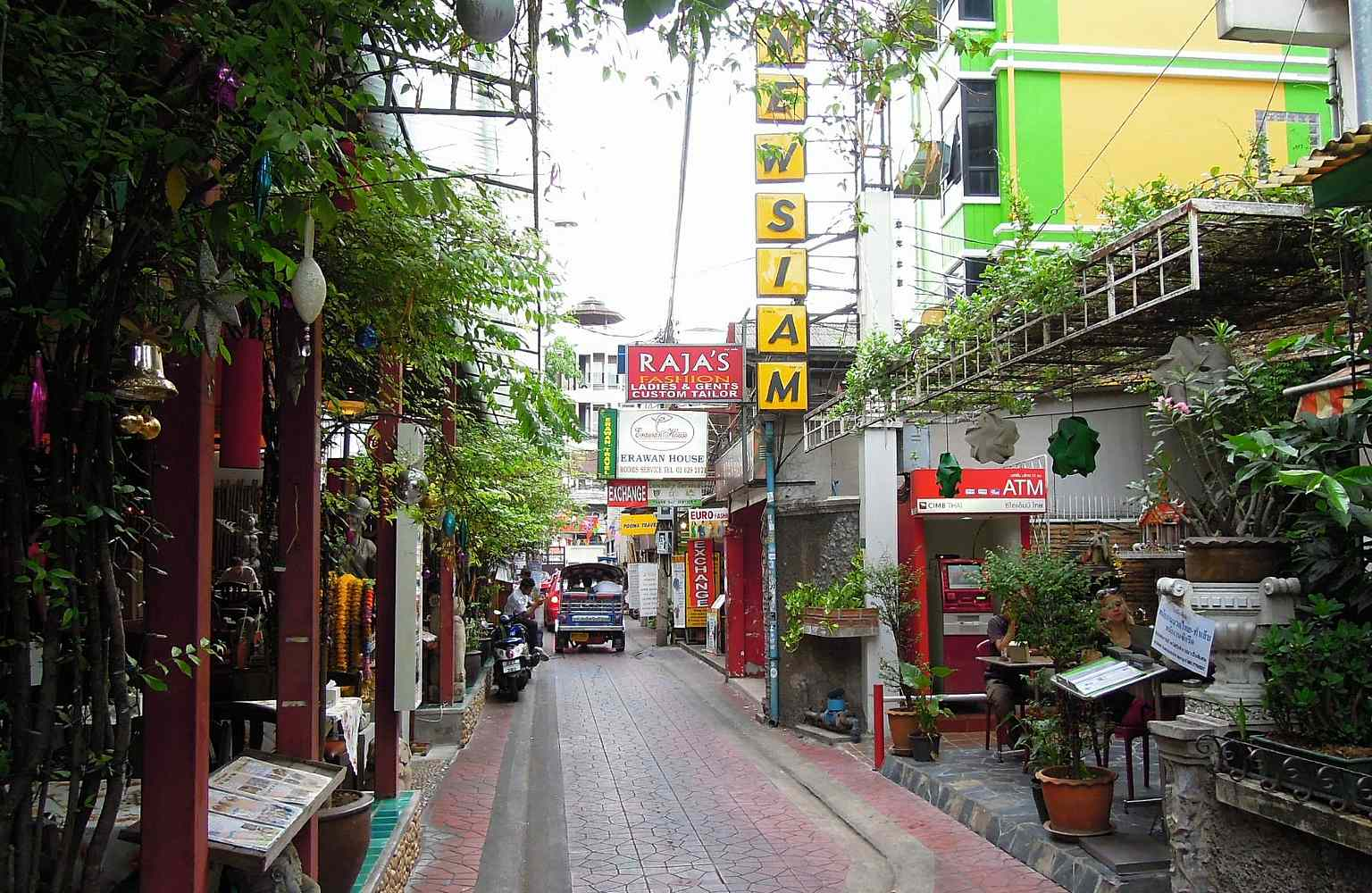 Rambutti Road, straatje met restaurants