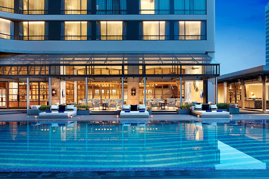 nice hotel with pool in Bangkok