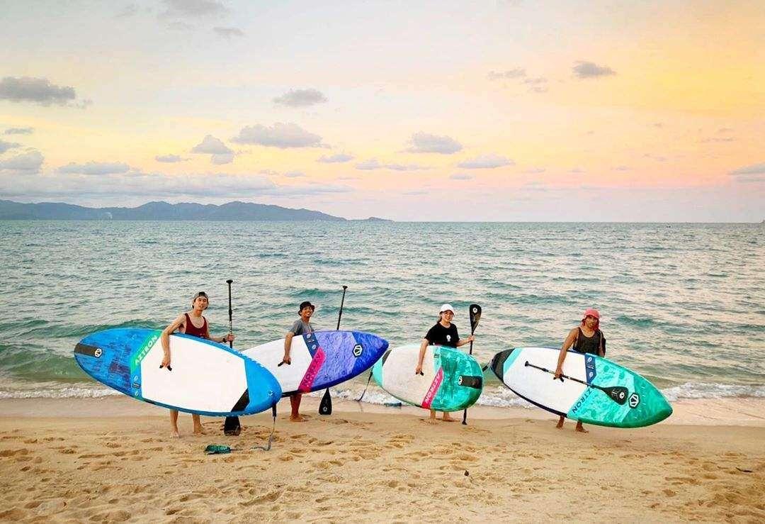 Surfers op Koh Samui