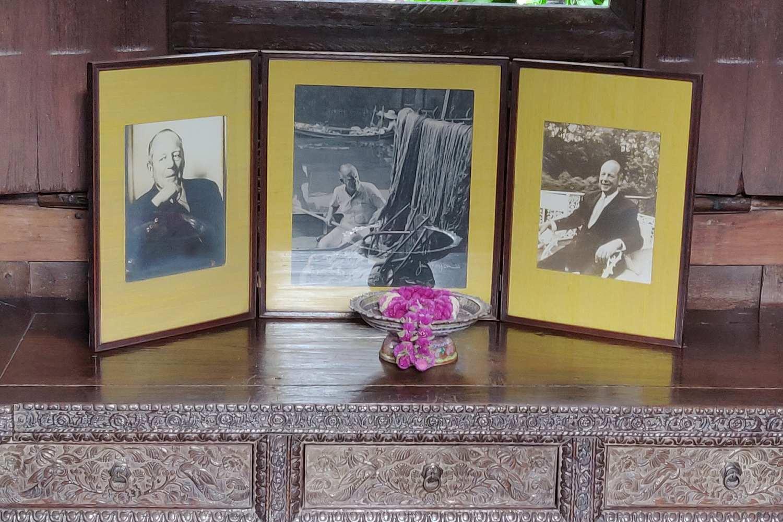 Foto's van Jim Thompson in zijn slaapkamer