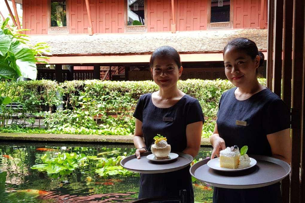 Twee desserts bij het Jim Thompson Restaurant naar het Jim Thompson House & Museum in Bangkok