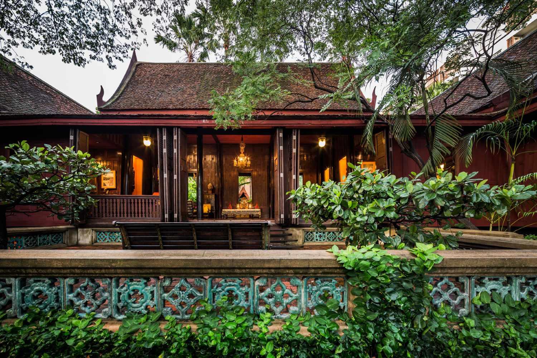 Uitzicht op het Jim Thompson House & Museum in Bangkok