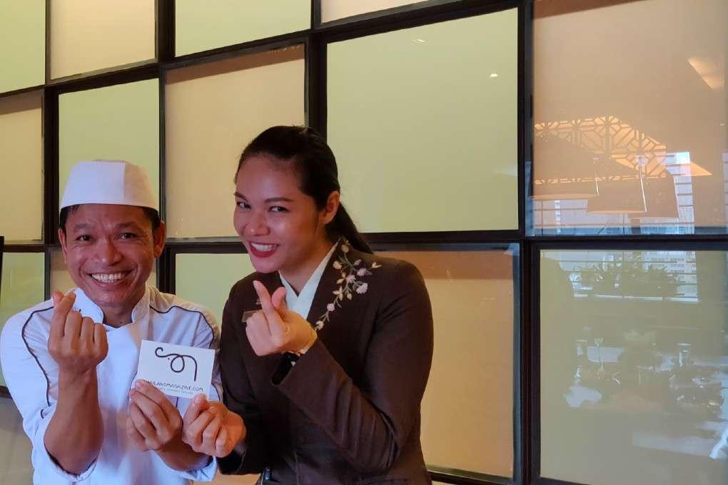De goedlachse chef en gastvrouw van Kisso Japanese Restaurant in in The Westin Grande Sukhumvit in Bangkok