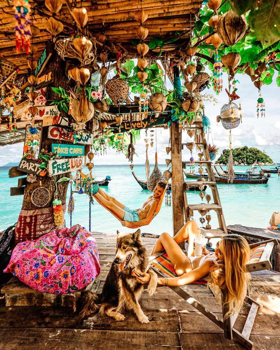 The decorations at Sea La Vie on Sunrise Beach, Koh Lipe