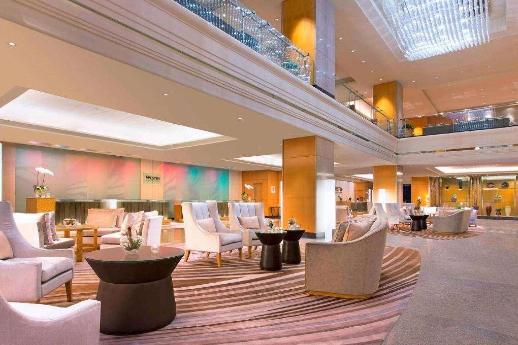De lobby op de zevende verdieping van The Westin Grande Sukhumvit in Bangkok
