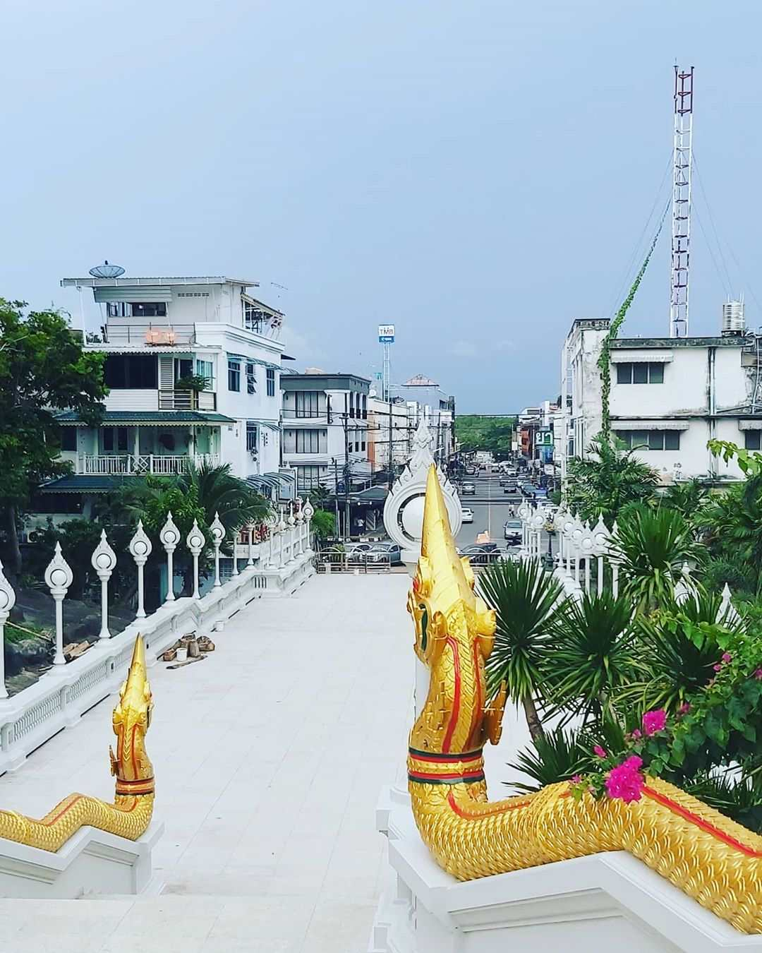 Wat Kaew Korawaram tempel in het centrum van Krabi Tow