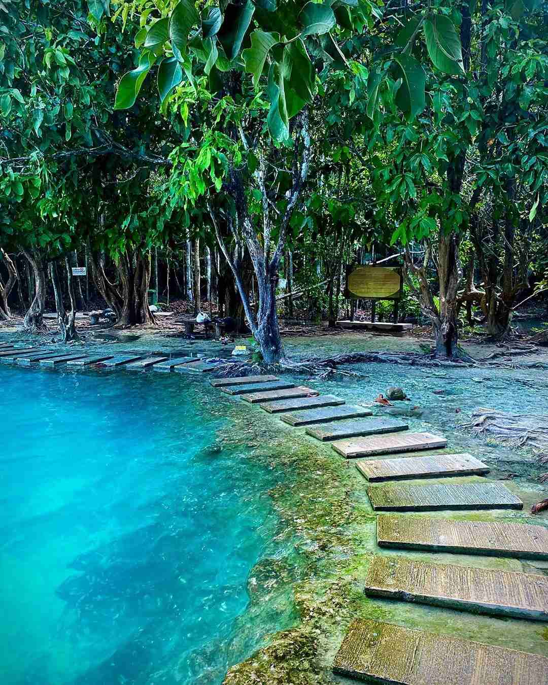Blue Pool & Emerald Pool niet ver van Krabi Town