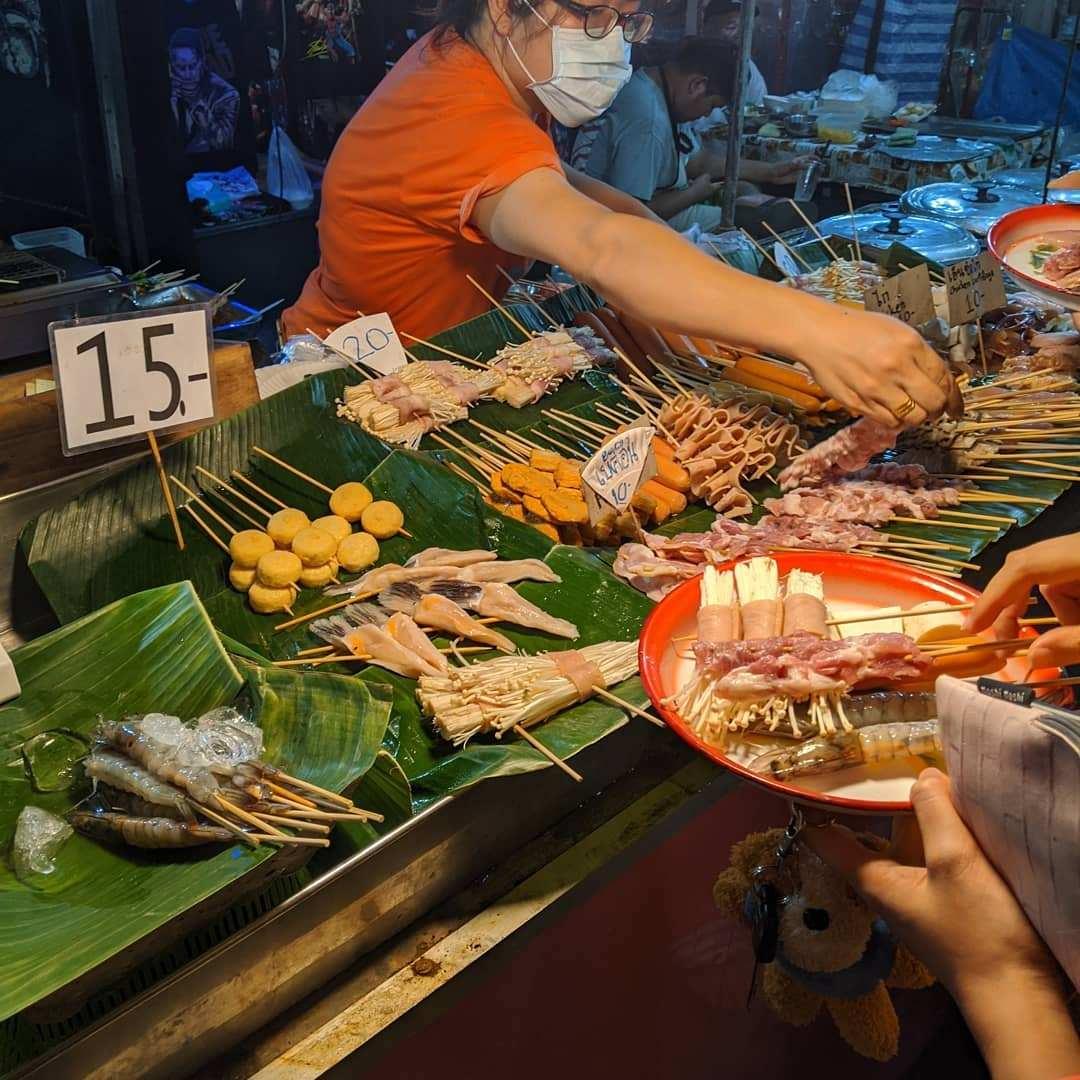 Streetfood op de weekend markt in Krabi Town