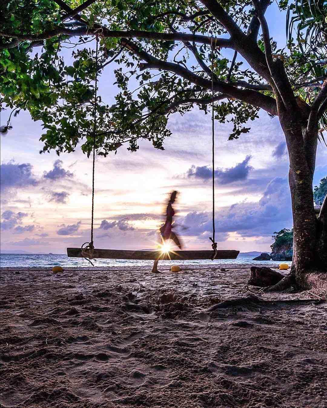 Schommel op het strand van Ao Nang