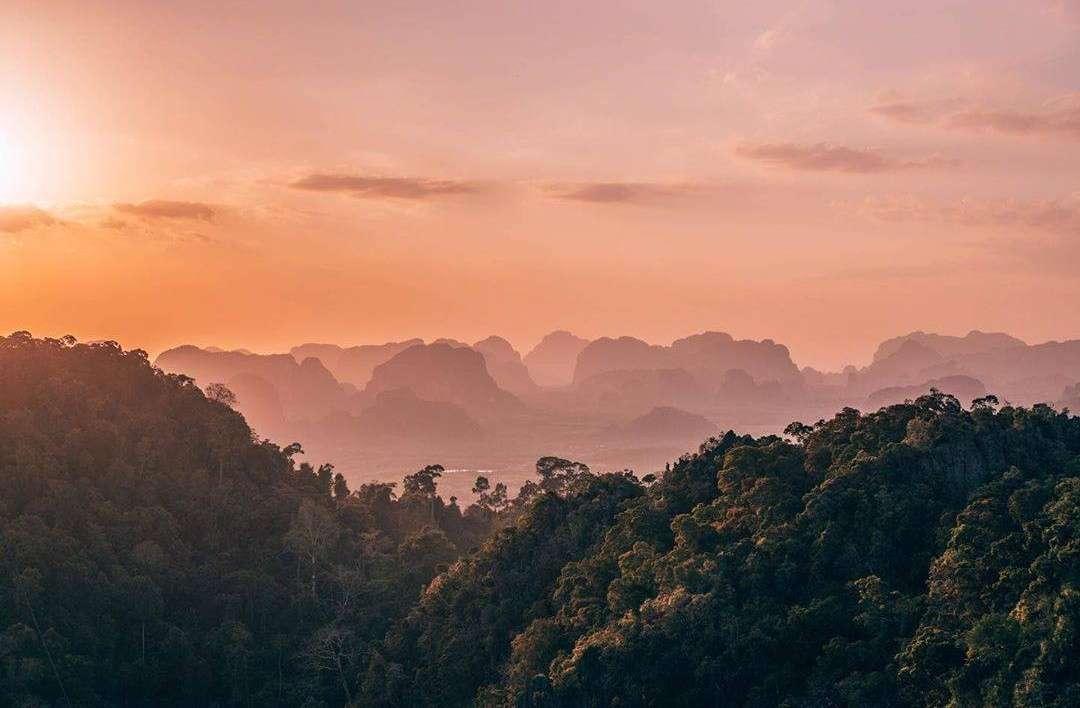 Uitzicht over de omgeving van Krabi Town