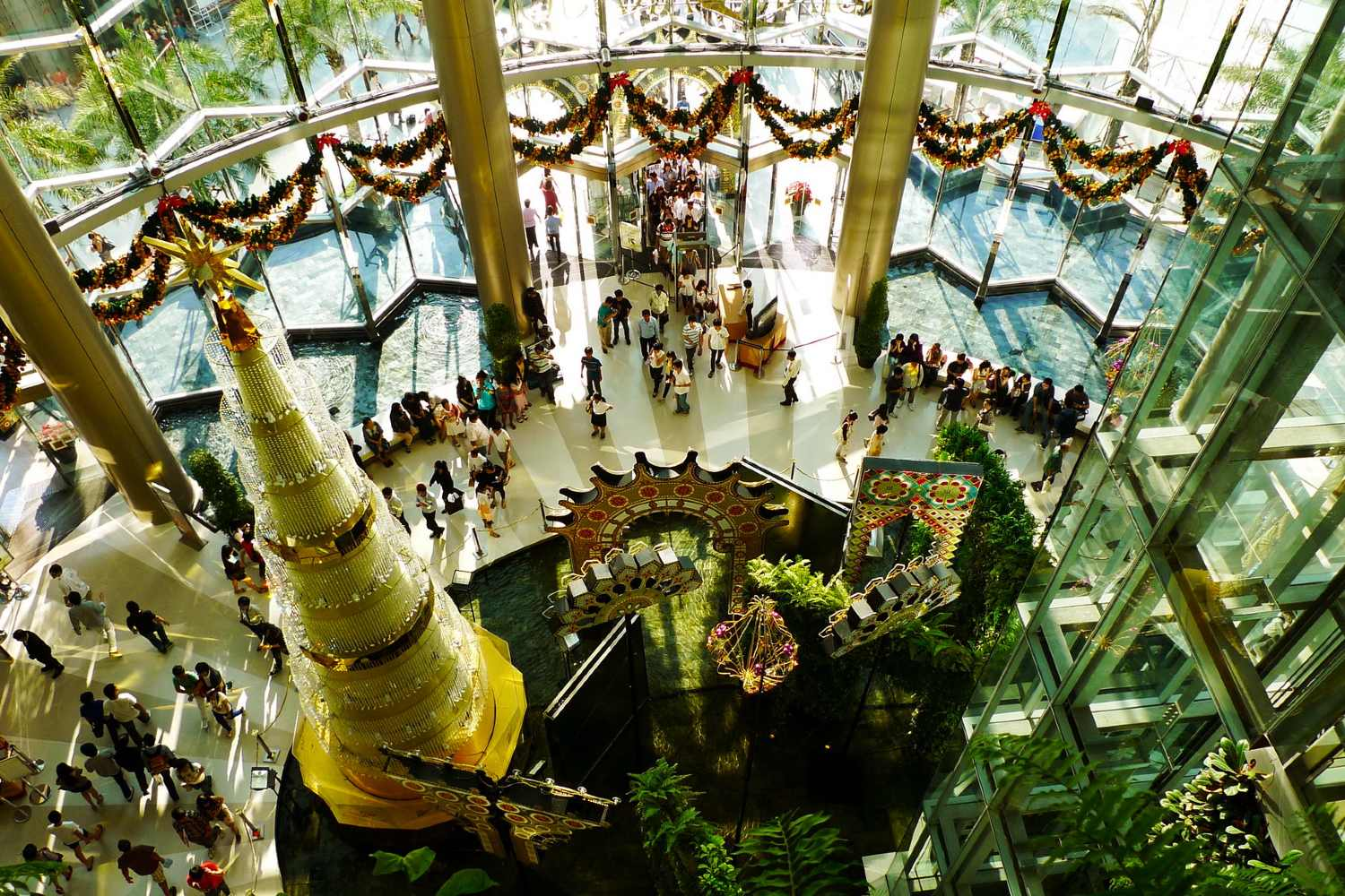 Main Hall of Siam Paragon during Christmas