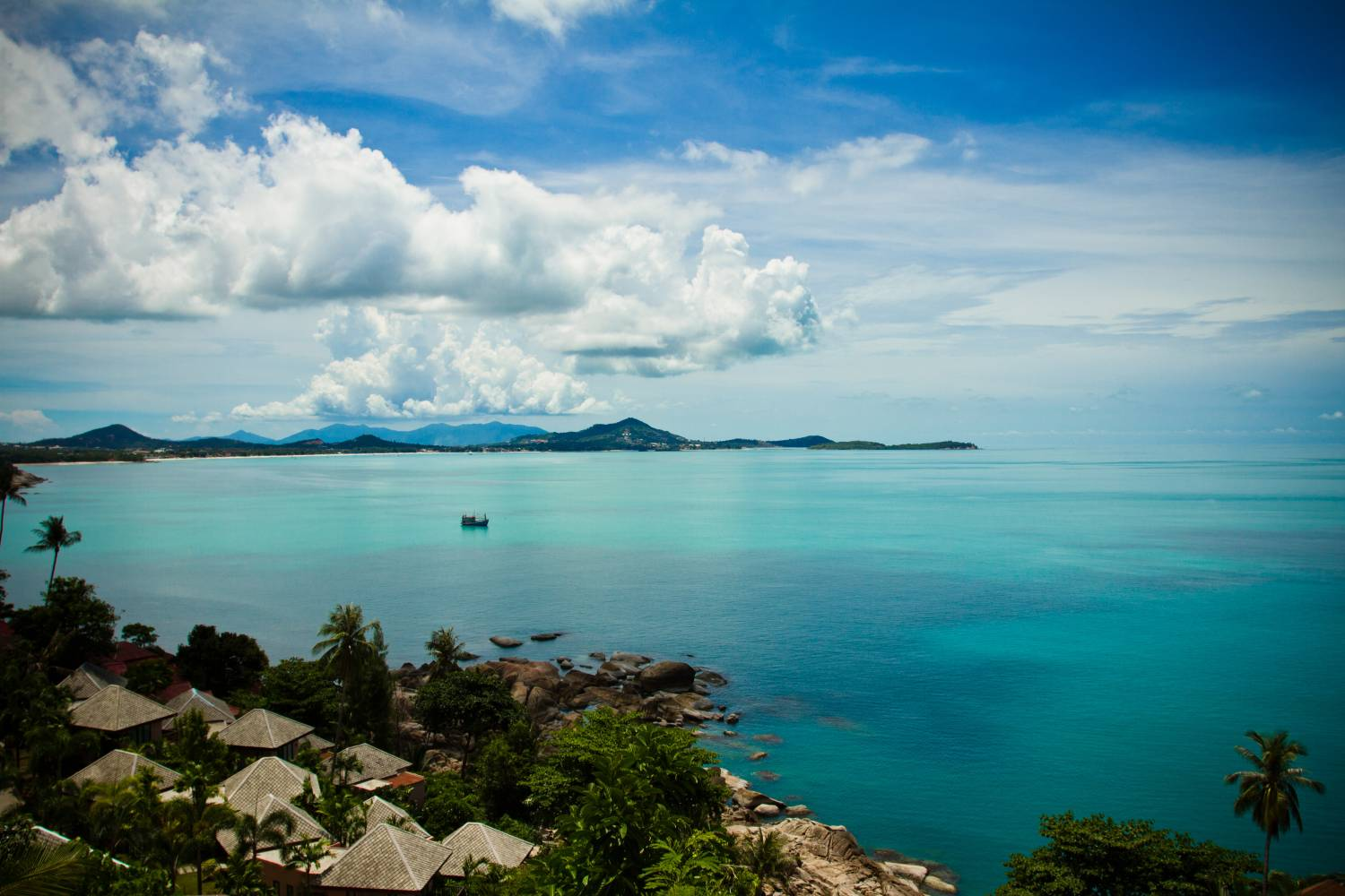 A view of Koh Samui's shoreline on the road between Lamai and Cheweng.