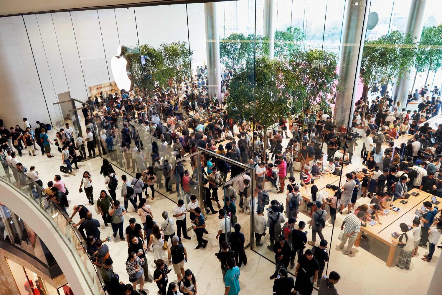 Opening of the Apple Store in ICONSIAM