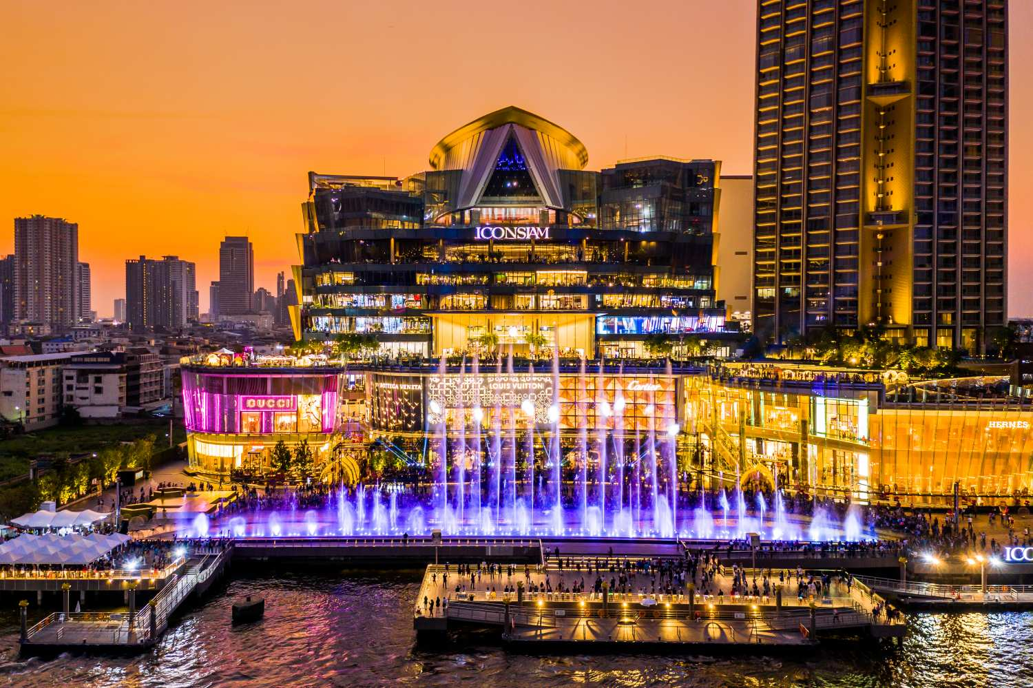 De ICON Multimedia Water Feature van Ghesa bij ICONSIAM in Bangkok