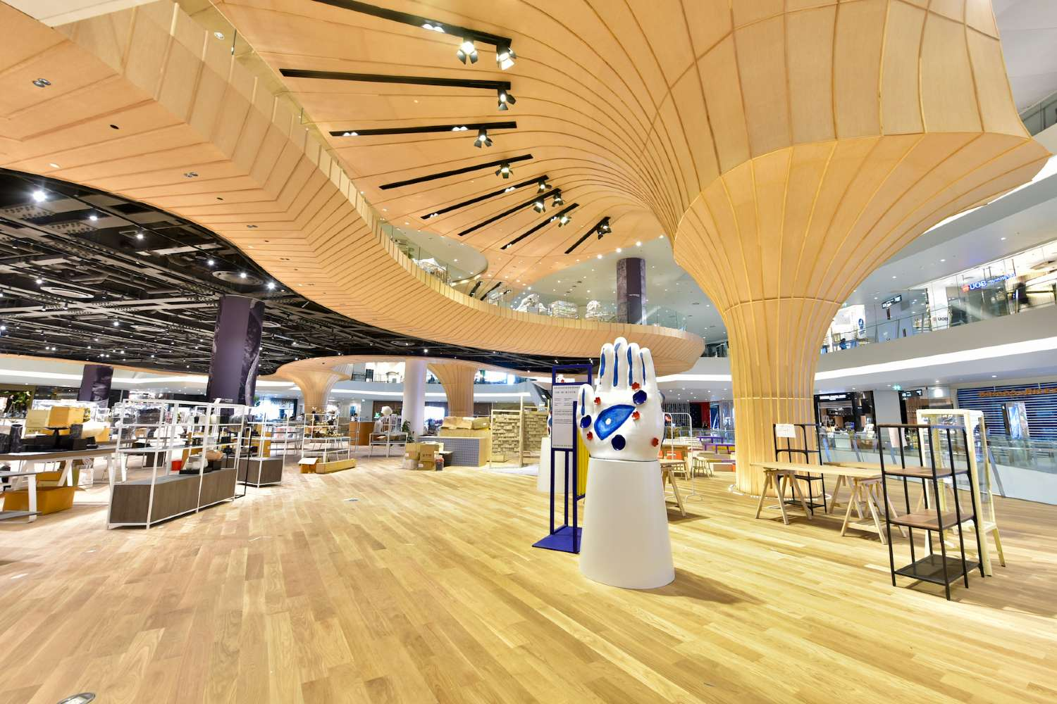 ICONCRAFT floors with the typical wooden column in ICONSIAM