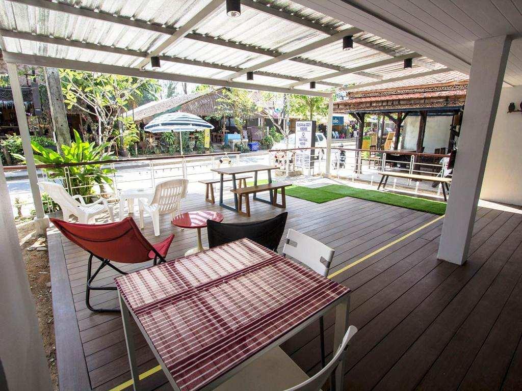 Communal terrace of the Nautical Home Hotel