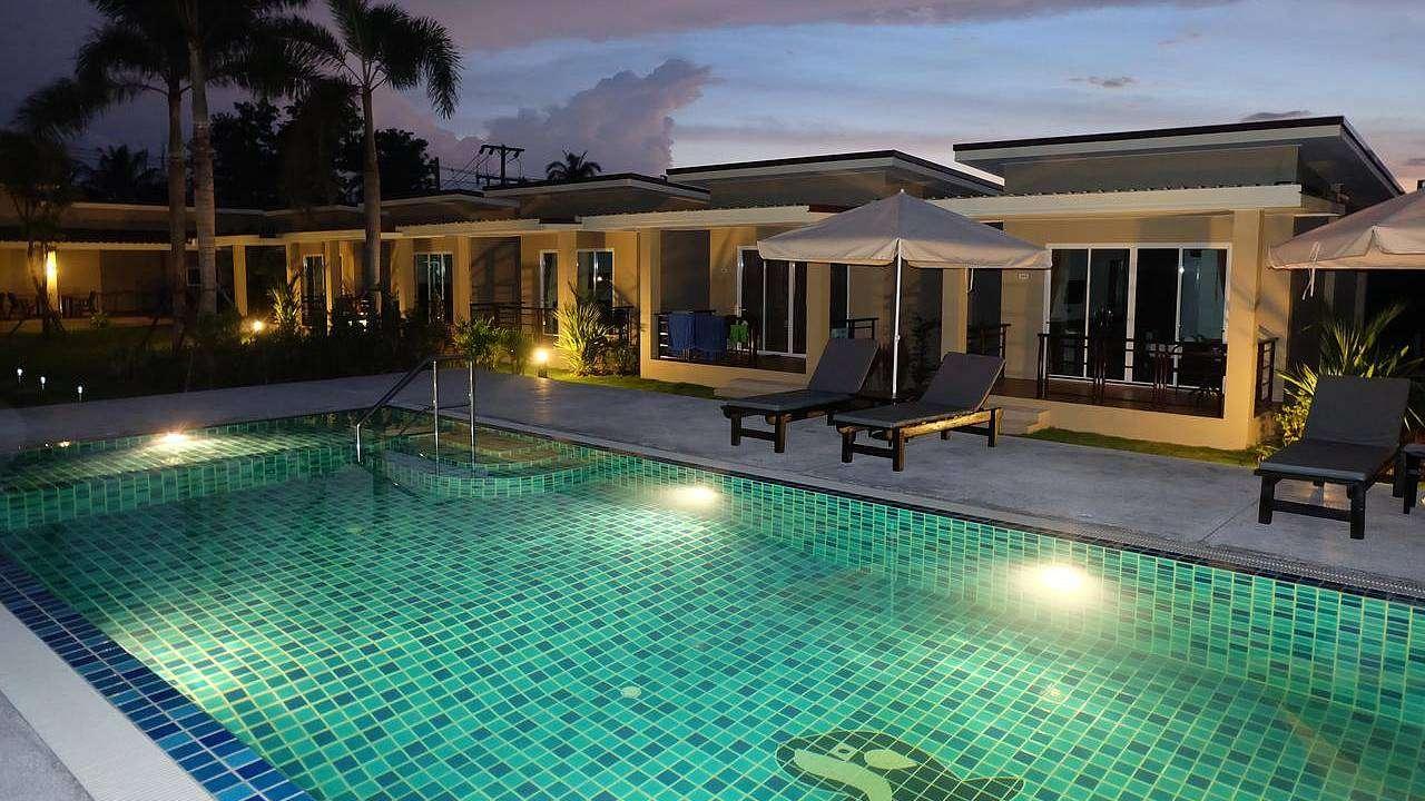 Goedkope bungalows naast het zwembad