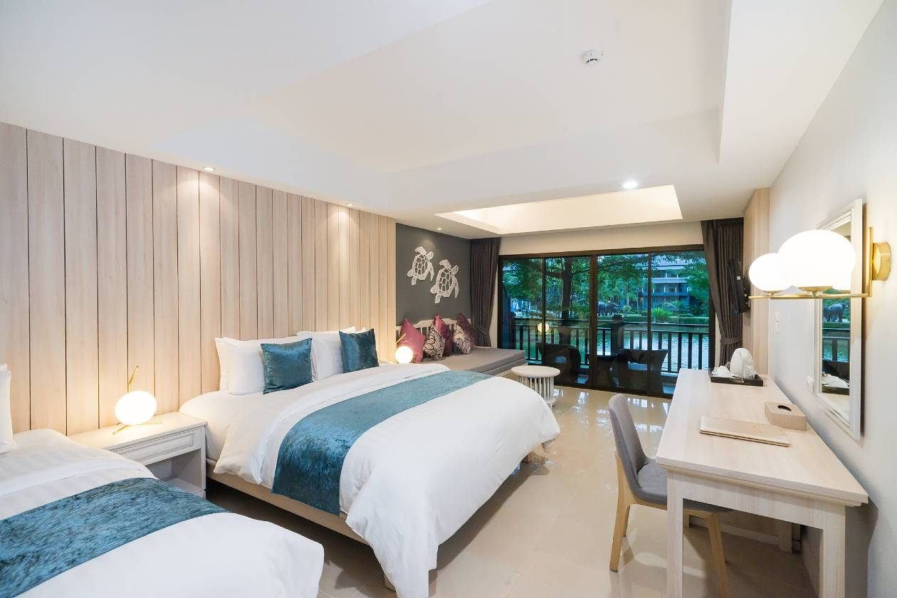 beautiful luxury beds with thick mattresses in luxury hotel room