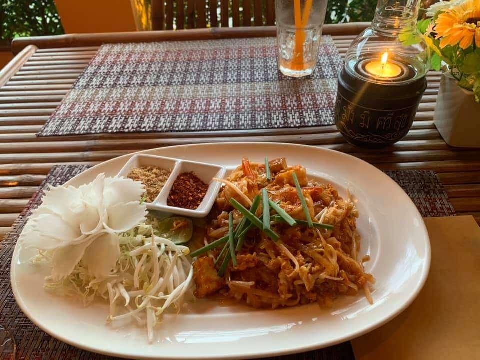 Thais gerecht bij Mojo Restaurant in Khao Lak