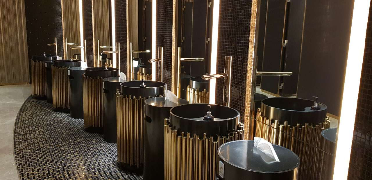 Toilets in iCONSIAM, Bangkok