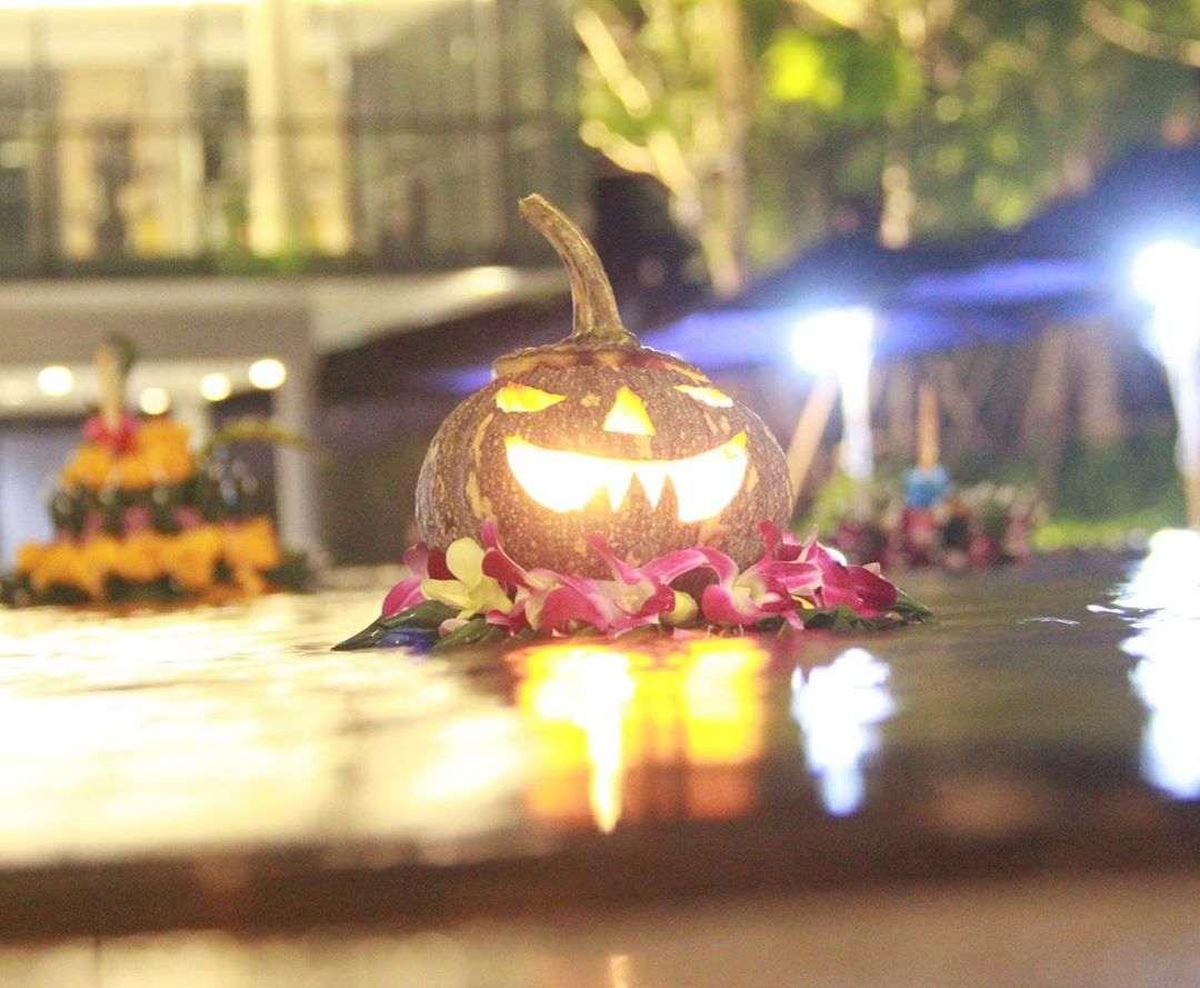 Halloween Krathong during Loy Krathong 2020