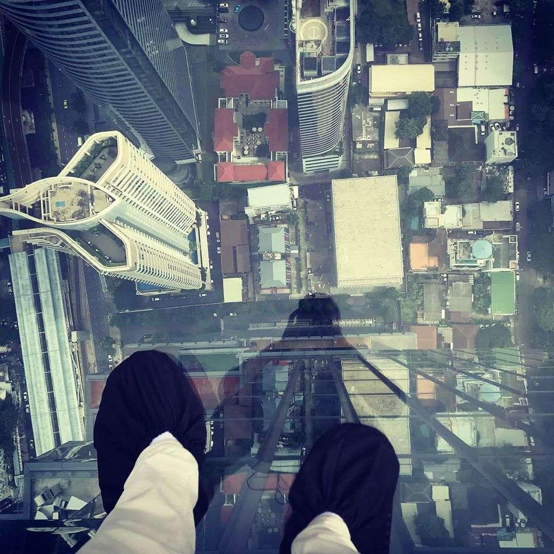 De SkyWalk van het King power Mahanakhon gebouw in Bangkok