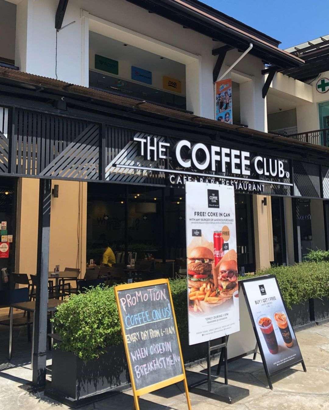 The Coffee Club in Turtle Village, Mai Khao op Phuket